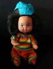 Barbie Kind mit gestreiftem Pullover