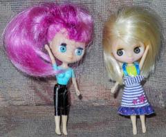 2 Puppen von Hasbro
