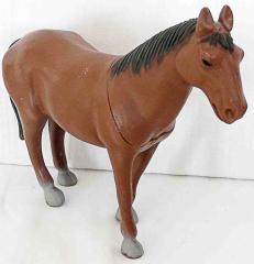 Braunes Pferd mit grauen Füssen