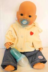 Baby Born Puppe Knabe mit Jeans und Kapuzenjacke