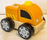 Auto orange aus Holz