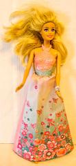 Barbie rosa/hblauer blumiger Jupe