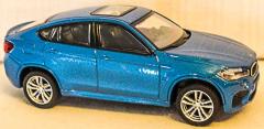 BMW blau