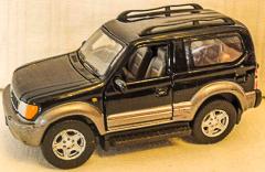 Toyota Land Cruiser schwarz