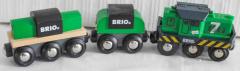Loki grün mit 2 Wagons