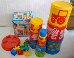 Babypuzzlebox und Pyramide