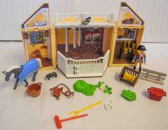 Aufklapp-Spielbox Reiststall Nr. 5418