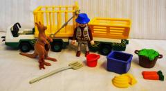 Tierpfleger/Transportfahrzeug Nr. 3242