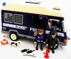 Kastenwagen Police 24 blau/beige