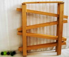 Kleine Kugelbahn aus Holz